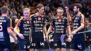 Mullsjö firar ett mål i en av hemmamatcherna mot Örebro ifjol