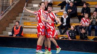 Andreas Stefansson, Gustav Fritzell och Adam Persson kramar om varandra efter att ha gjort ett mål